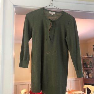 Green 3/4 length LOFT knit top